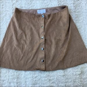 Kendall+Kylie Sz M suede tan mini skirt
